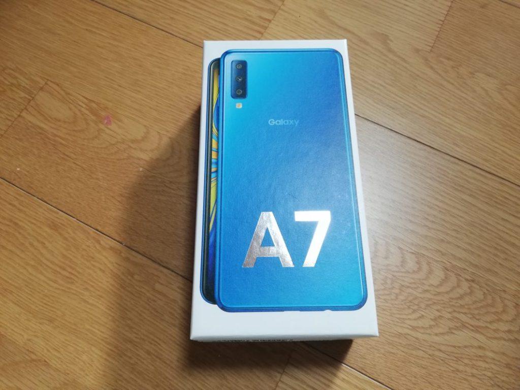 GalaxyA7の箱